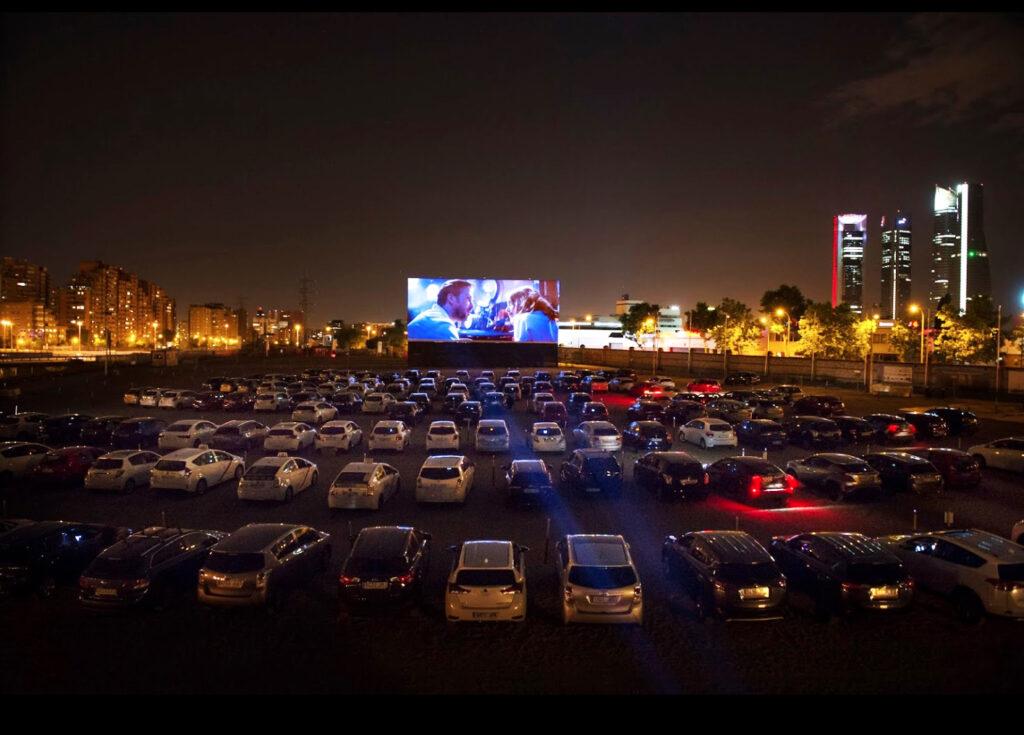 Ir al cine sin salir del coche